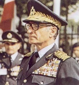 اعلیحضرت محمدرضا پهلوی بنیان گذار نیروی هوایی ایران